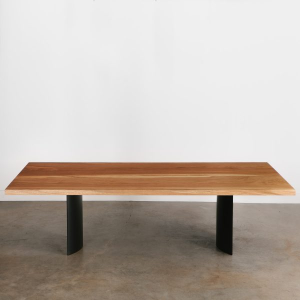 Contemporary dining table with steel legs